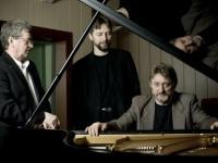 Andrzej Jagodziński Trio w Old Timers Garage