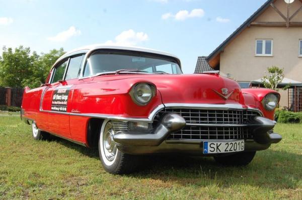 Cadillac z 1955 roku w kolekcji Old Timers Garage